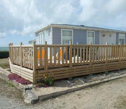 Campingplatz De La Falaise: Unterkunft Mobilheim mit Meerblick131