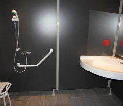 La Falaise Campsite: Accessible Shower Stall